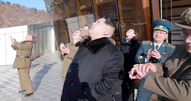 N. Korea launches 'satellite,' defies int'l community