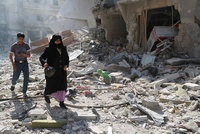 The Syrian Network for Human Rights (SNHR) said in a Monday report that regime forces dropped at least 5,238 barrel bombs since September last year when Russian air campaign started.  Toxic gas...