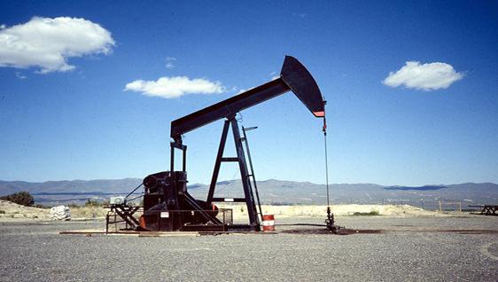 Petrol fiyatlar� son 5 y�l�n en dü�ük seviyesinde