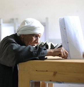 Egyptians vote in first post-Mubarak election