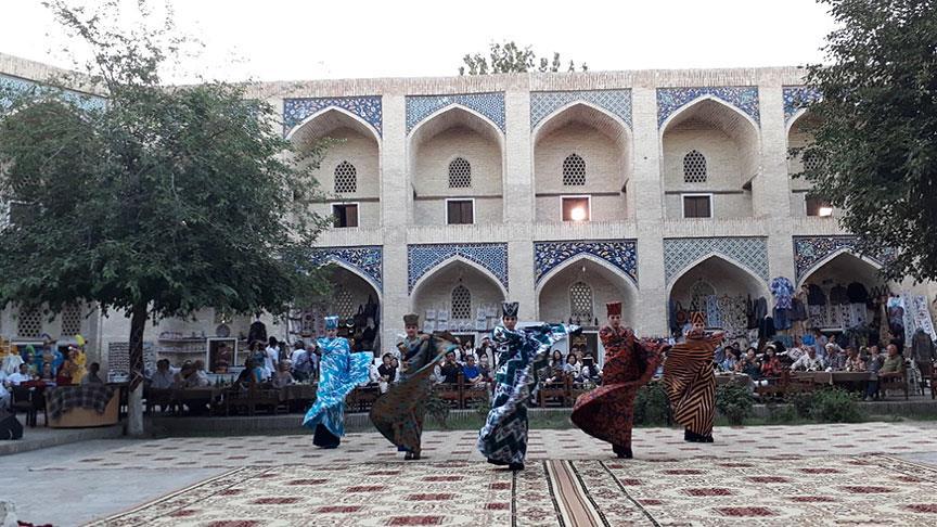 Özbekistan'daki İpek ve Baharat Festivali sona erdi