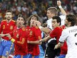İspanyol futbolcular soyuldu