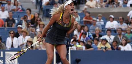 Federer ve Wozniacki �eyrek finalde