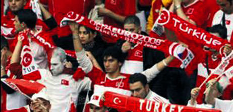 Türkler için alarma geçti