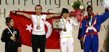 Aylin'den 2 gümüş 1 bronz