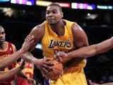 Lakers Cavaliers'ı rezil etti!