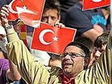 Türk Bayrağı kavga çıkardı