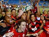 Flamengo �ampiyon oldu, b�y�k kavga ��kt�