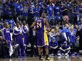 Los Angeles Lakers 3-0 geride