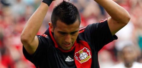 Leverkusen Vidal'i bırakmıyor