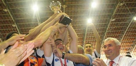 Fenerbahçe'yi yenen Arkas şampiyon