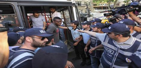 20 tutuklu 5 serbest