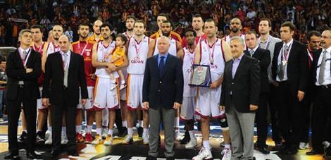 Galatasaray ev sahipliği için bastırıyor