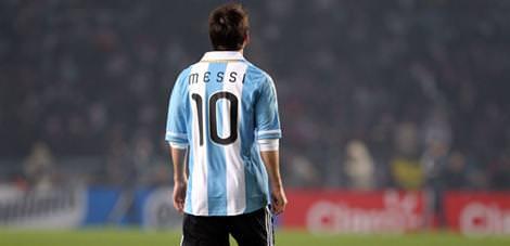 Maradona Messi'ye sahip çıktı
