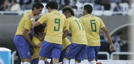 Brezilya, Ekvador'u 4'ledi