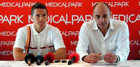 Lakovic imzayı attı