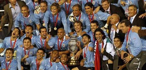 Şampiyon Uruguay