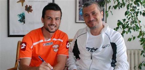 Adanaspor'da Hüseyin imzaladı