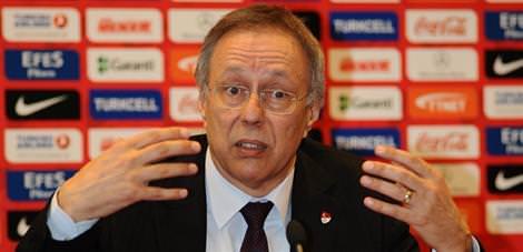 UEFA'dan Sarvan ve Ersoy'a g�rev