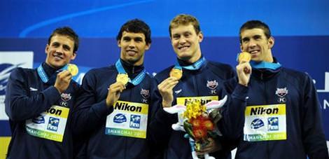 Erkekler 4x100 bayrak yar���nda kazanan ABD