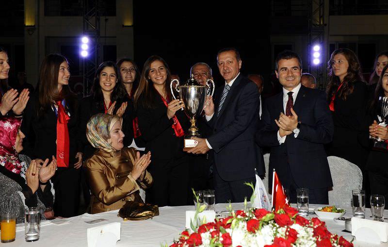 Başbakan Erdoğan şampiyonlarla buluştu