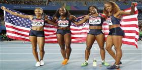 Bayanlar 4x400 yarışını ABD kazandı