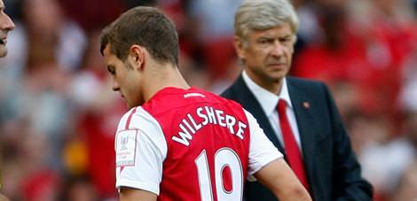 Arsenal'de s�k�nt�lar bitmiyor