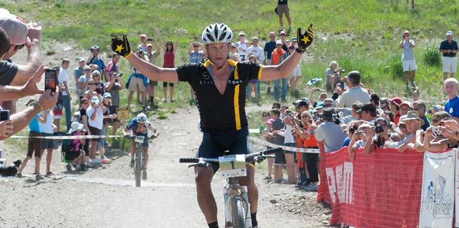 Armstrong triatlonda pedal çevirecek