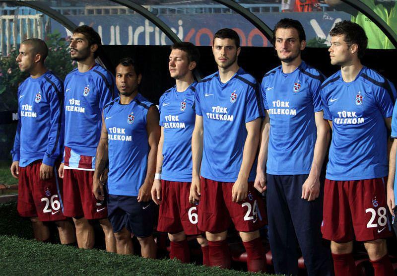 13 futbolcuya kesik