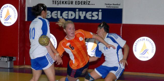 3 Türk hakem çiftine görev