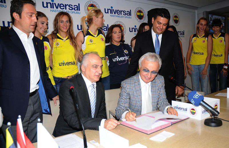 Universal ile 3 yıl için imzalar atıldı