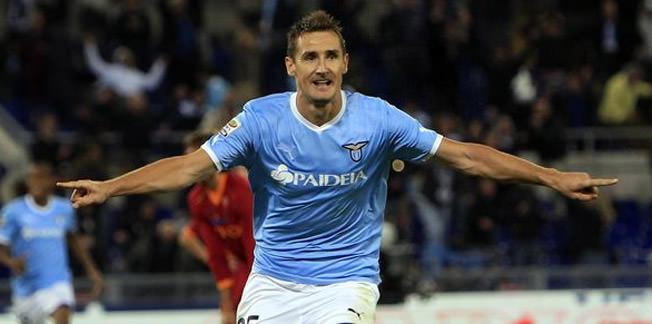 Klose 2014'de bırakıyor