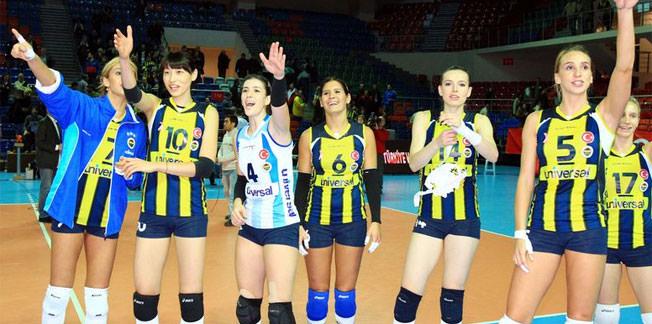 Tek namağlup Fenerbahçe Universal