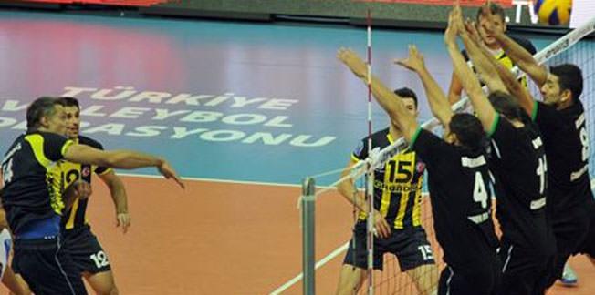 Fenerbahçe Grundig namağlup lider