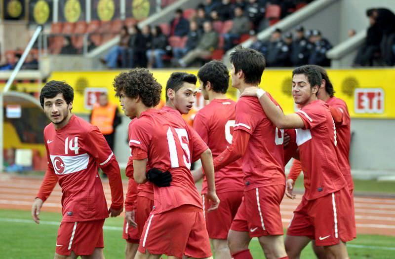 U19'lar yıktı: 3-0