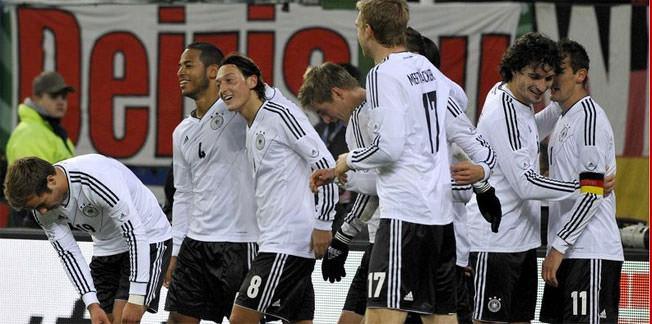 Mesut Özil hayran bıraktı