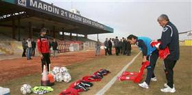 Mardinsporlu futbolcular �ehri terk etti
