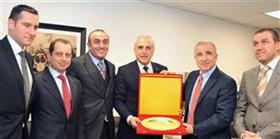 Vali Mutlu'dan Galatasaray'a ziyaret