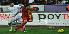 Selçuk, Barça'da rahat oynar