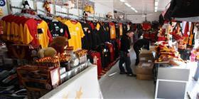 Manisa'da Galatasaray Store TIR'ına saldırı