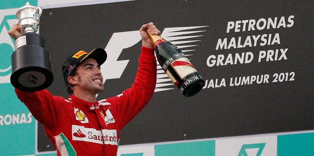 Malezya'da Alonso kazandı