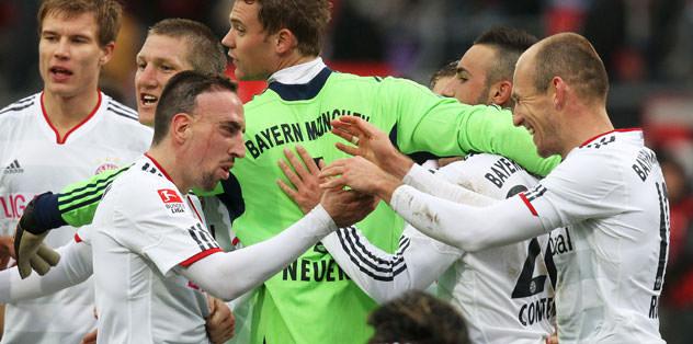 Bayern puan farkını azalttı