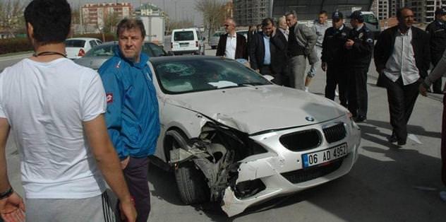 Eski Fenerbahçeli futbolcu kaza geçirdi!
