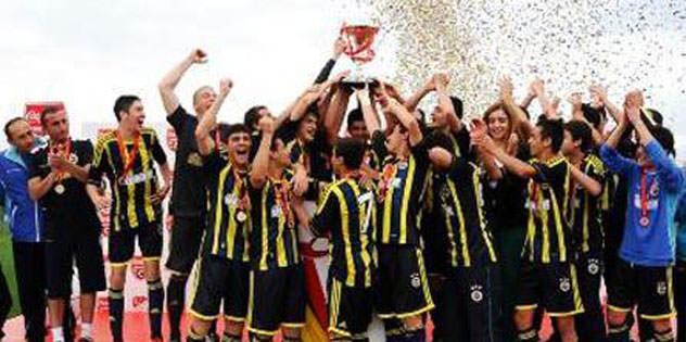 U15 takımı şampiyon oldu: 3-1