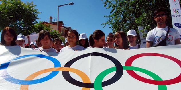 Olimpik Gün koşusu Gebze'de yapıldı