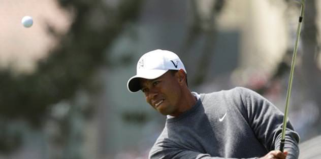 Woods is charging at the U.S. Open again.