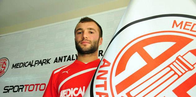 Murat'ı Antalya kaptı
