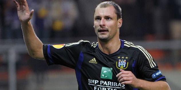 Anderlecht Jovanovic'i bırakmıyor