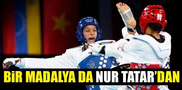 Bir madalya da Nur Tatar'dan!