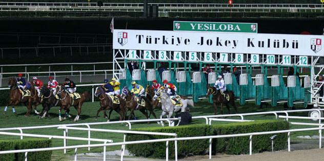 Sonbahar yarış sezonu Adana'da